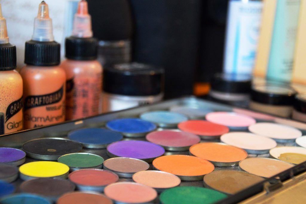 Cursos de maquillaje para profesionales y particulares.